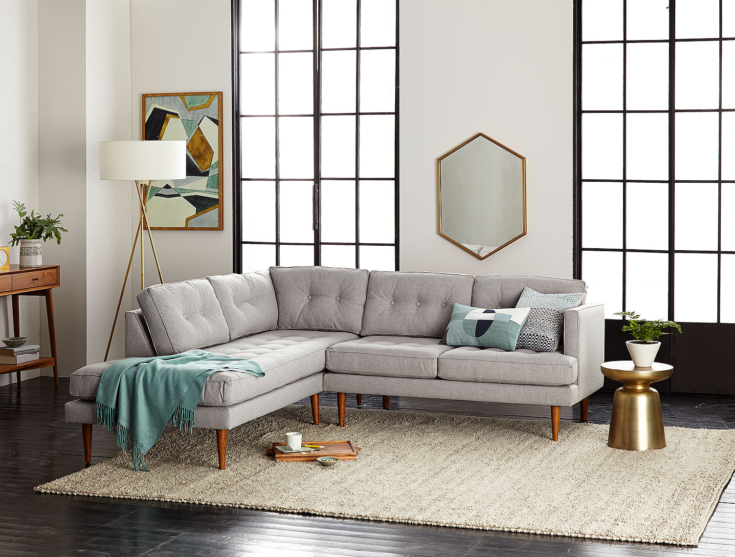 12_ecom-feature-Peggy-Sectional-Lifestyle-hp-sp16-556_YHK1